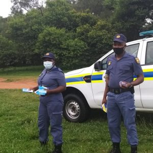 Constables Siaga and Seema patrolling at Emmarentia Dam